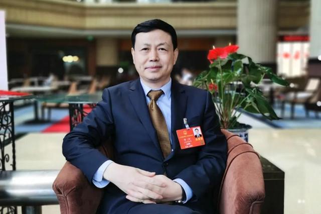 中国移动董事长杨杰:深入推进5G融入百业服务大众