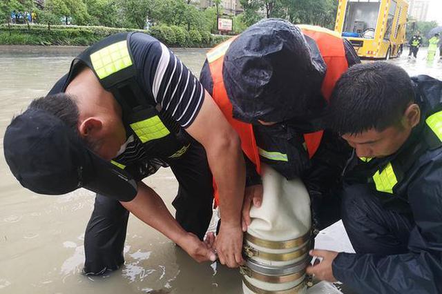 安徽肥东:奋战抢险一线