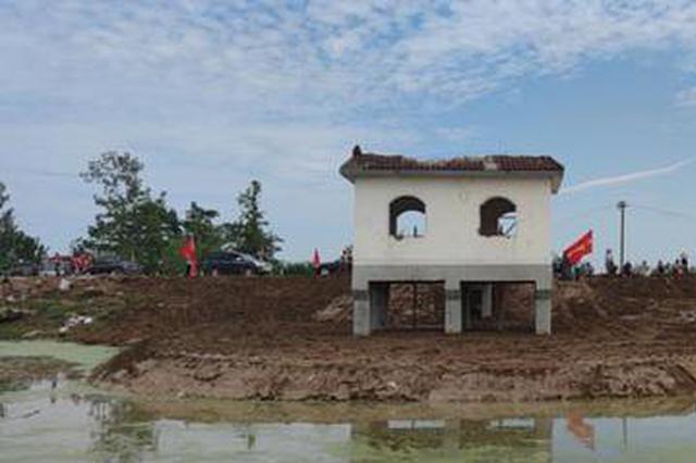 奋战六天六夜 安徽颍上戴家湖涵闸漏水点被成功封堵