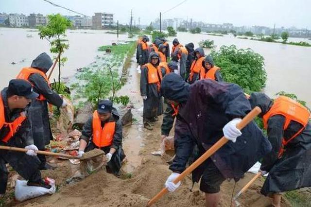 安徽省军区组织民兵力量投入抢险救灾战斗