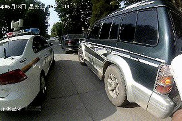 """报废车辆变身""""移动炸弹"""" 警方紧急查处私人加油车"""