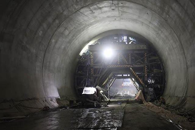 安九高铁安徽段最后一座隧道——横山隧道贯通