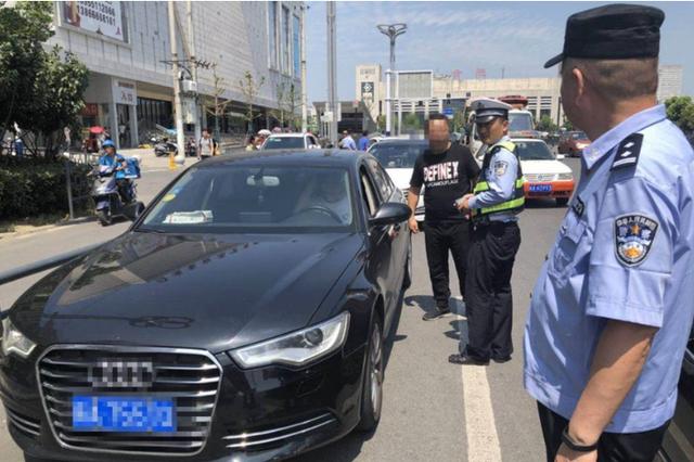 合肥城管部门集中整治火车站区域非法营运现象