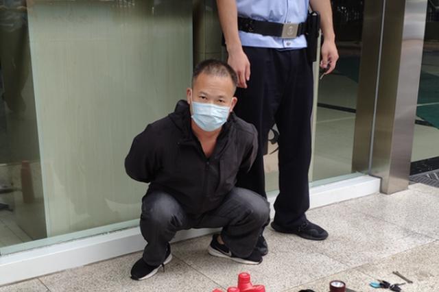 跨市盗窃遭遇巡逻特警 窃贼和收赃人双双被刑拘