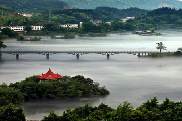 安庆县乡村三级路长制全面建立