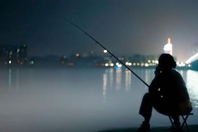 公安渔政联合巡查 5人江边夜钓被查
