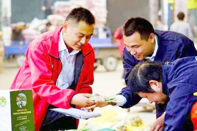 刘国彦:从拉板车卖菜到年销售超亿元