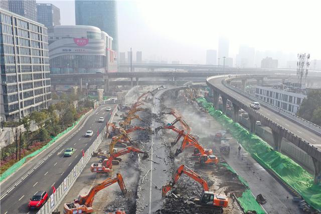"""【""""飞阅""""中国】场面壮观!城市快速交通""""大作战"""""""