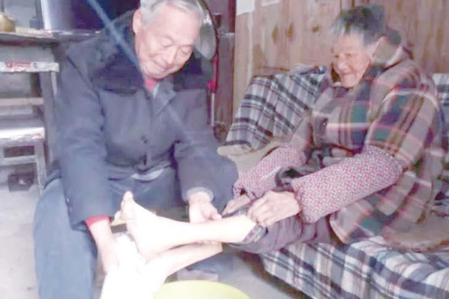 """阜阳特殊""""孝子""""赵长贺29年赡养4位老人"""