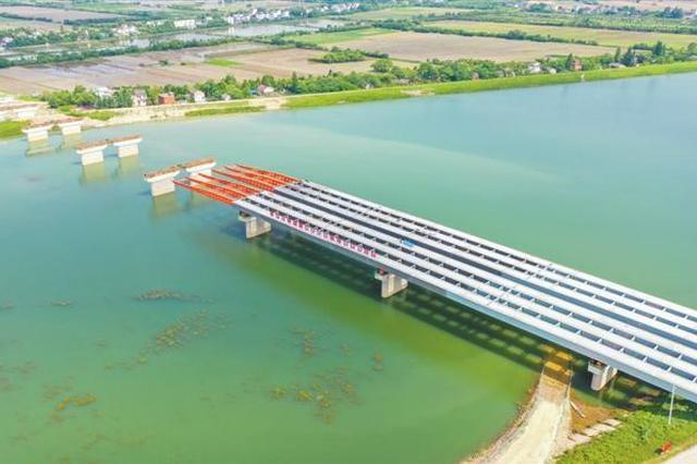 荆山河特大桥雏形已现