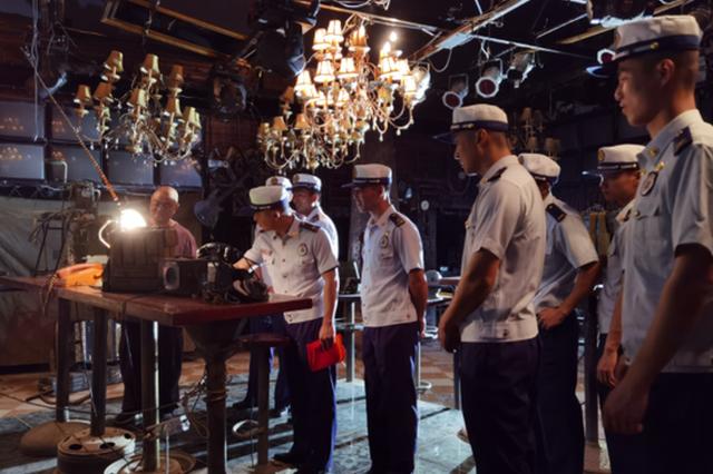 贵池消防组织指战员参观主题文博馆