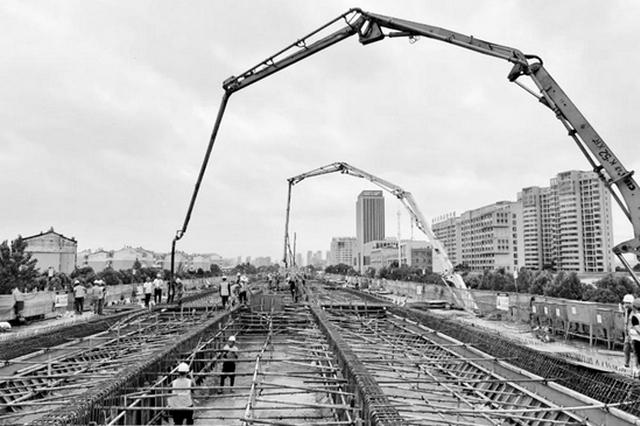 合肥首座双层高架桥开始架桥体
