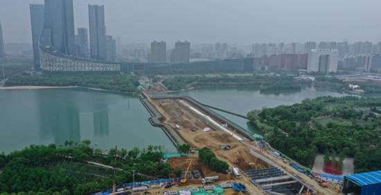 合肥:天鹅湖隧道工程初现雏形