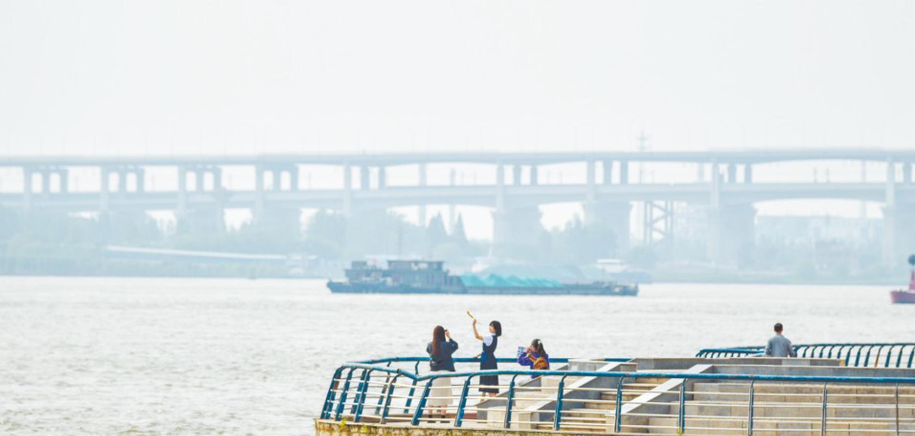 长江芜湖段水位持续上涨