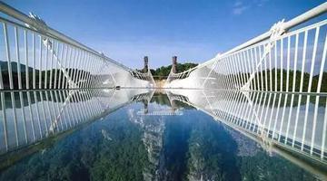 新年新挑战 马仁奇峰新玻璃桥全新玩法