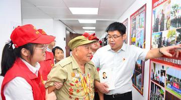 91岁抗战老英雄讲述历史