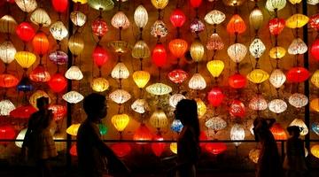 安徽黄山:多彩花灯迎中秋