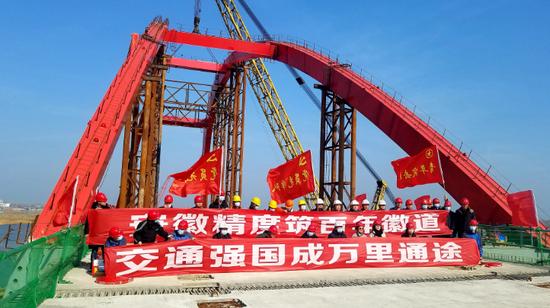县县通高速项目之一的固蚌高速攻坚提速,于2021年6月底建成。