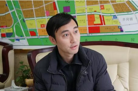 媒体采访蜀山经济开发区招商局局长沈巍巍