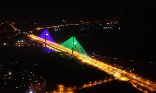 巢湖大桥今日正式通车