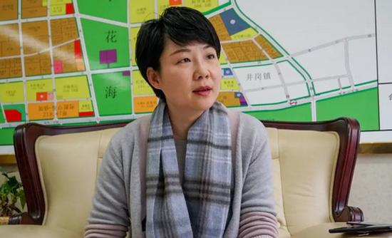 媒体采访蜀山经济开发区社会事务局局长朱江