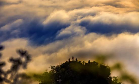 全域旅游全景霍山 来霍山赏云海