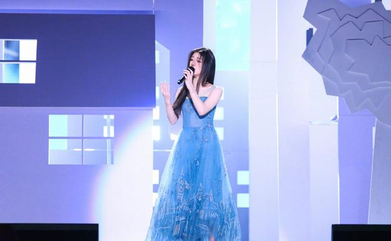 单依纯获得《中国好声音》年度总冠军单依纯获得《中国好声音》年度总冠军