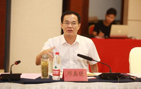 阜阳市市委常委、临泉县县委书记邓真晓