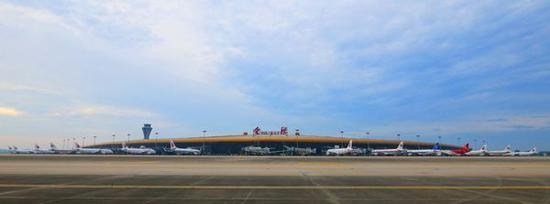 新桥机场停机坪全景