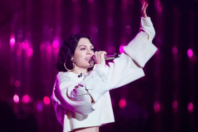 """《歌手》Jessie J夺冠 获赞""""教科书级的表演"""""""