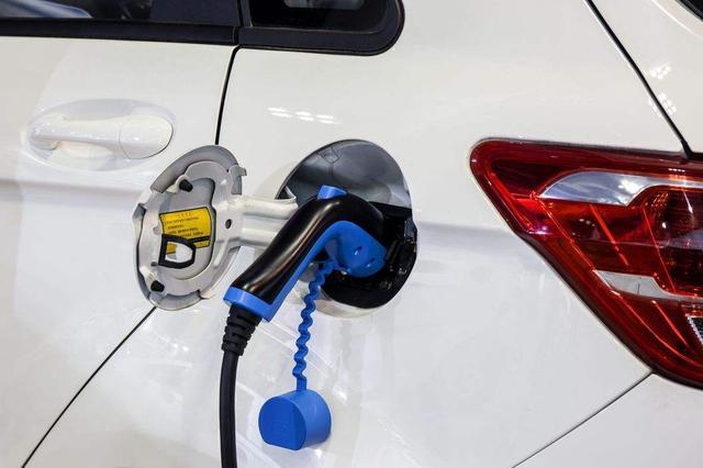 安徽高速公路服务区充电设施全覆盖 电动汽车不怕没电