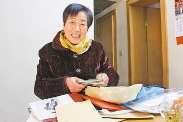 """18年捐助百余贫困学子 """"豆芽奶奶""""荣登中国好人榜"""