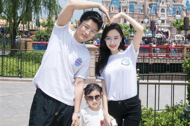 李小璐甜馨视频遭篡改配音 贾乃亮发声明称将追责