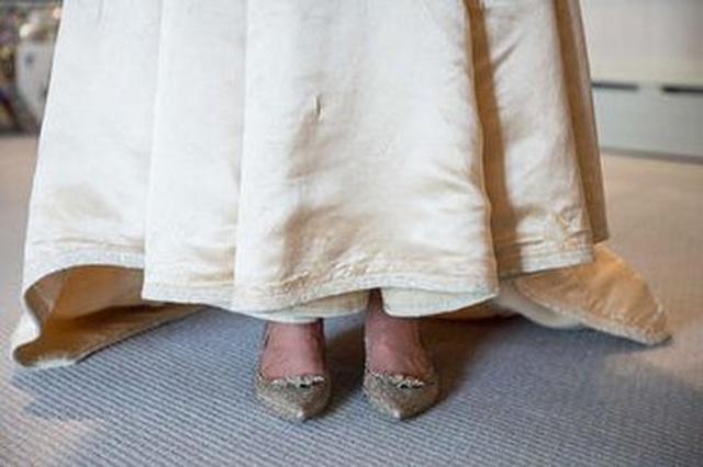 """当省两会""""巧遇""""婚期 新娘从""""人大""""大家庭出嫁"""
