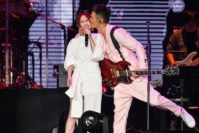 杨丞琳承认有结婚念头 因李荣浩态度放下明星包袱