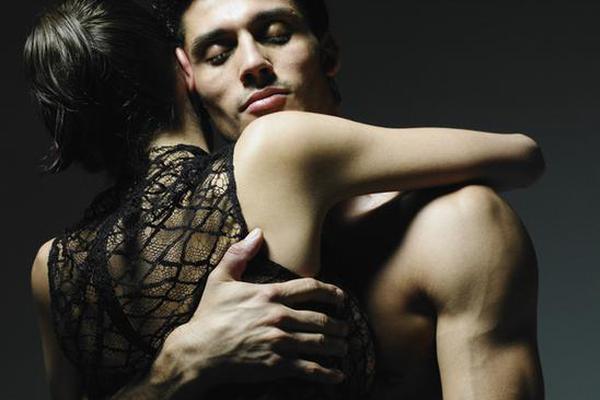 美女与锰男性交_尤其是当以下几类美女出现的时候,男人天性中的好色都会表露无遗.