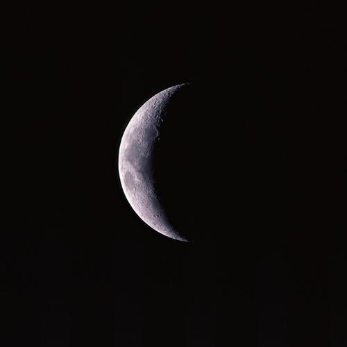 狮子座新月日食