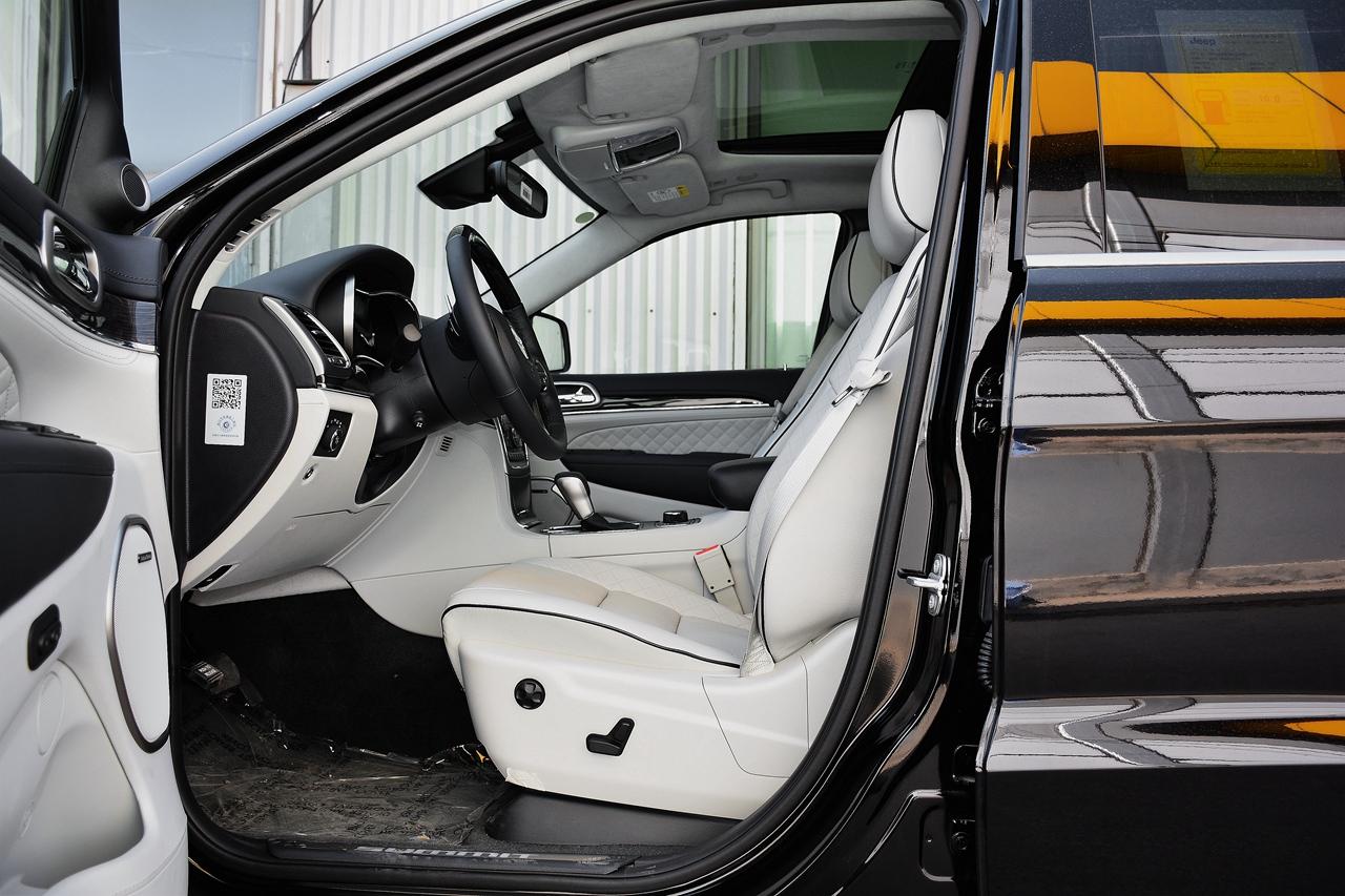 大切诺基 VS 英菲尼迪QX60新能源口碑分析,买车不纠结