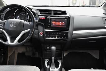 车型对对碰:新款飞度 VS 新款威驰FS之内饰配置