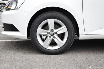 车型对对碰:2017款晶锐 VS 2017款起亚KX CROSS之外部配置