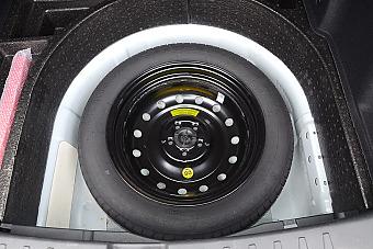 车型对对碰:新款中华V5 VS 新款宝骏560之外部配置