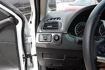 车型对对碰:新款中华V5 VS 新款景逸X6之内饰配置