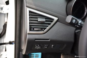 车型对对碰:2017款中华H530 VS 2017款逸动之内饰配置