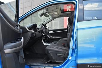 哪款配置更丰富 新款景逸XV PK 新款海马S5青春版