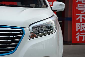 新款欧蓝德(进口)对比新款华泰XEV260 到底该选谁?