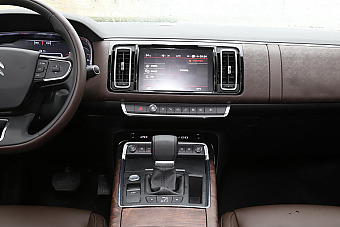 2017款帕萨特对比2017款雪铁龙C6 哪款更舒适?