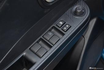 哪款配置更丰富 新款V5菱致 PK 新款锐3