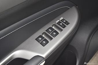 2017款长安CS35对比2018款哈弗H2s 哪款更舒适?