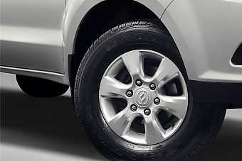 车型对对碰:新款中兴威虎 VS 新款黄海N1之外部配置