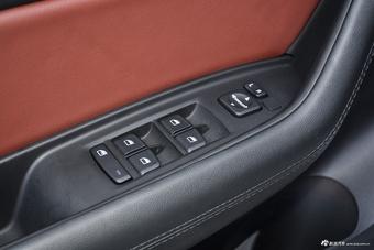 哪款配置更丰富 2017款瑞虎5 PK 2018款中华V6